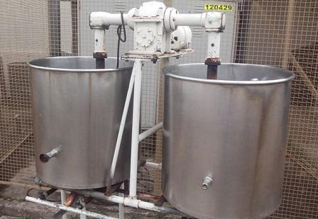 Dois tanques em a o inox de 100 litros for Tanque hidroneumatico 100 litros
